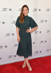 Olivia Wilde kept it casual yet cute in a printed green shirtdress by Michael Kors at the Tribeca Talks: Master Class event.