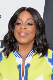 Niecy Nash sported sweet-looking shoulder-length waves at the Turner Upfront.
