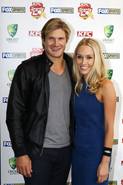 Shane Watson looked hunky in a black leather jacket over a V-neck tee.
