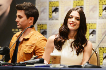 "Ashley Greene Jackson Rathbone ""The Twilight Saga: Breaking Dawn - Part 2"" At San Diego Comic-Con 2012"
