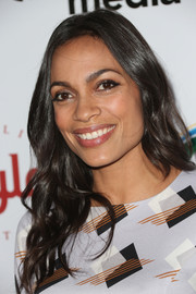 Rosario Dawson looked sweet wearing this long wavy 'do at the ULCA IOES celebration.
