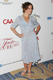Jennifer Grey went for a modest look with this pastel-blue floral dress at the Taste for a Cure fundraiser.