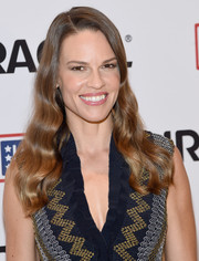 Hilary Swank sported perfectly styled waves at the Comfort Crew for Military Kids event.