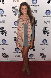 India rocked a pair of lace-up ankle boots to finish off her grey long sleeve dress and printed scarf.