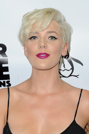 Betty Who showed off a stylish short 'do at the Unauthorized O.C. Musical One Night Only event.