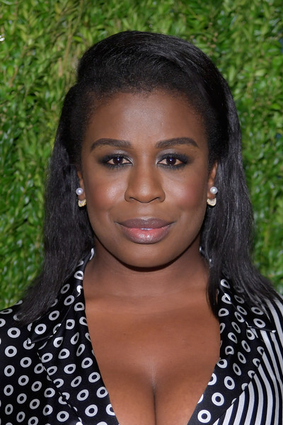 Uzo Aduba Medium Straight Cut