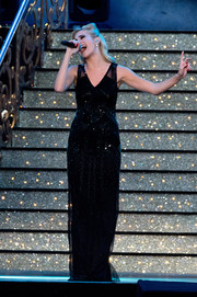 Pixie Lott performed at the VE Day 70th anniversary concert wearing a glamorous beaded black gown.
