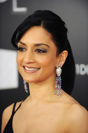 Archie Punjabi wore her hair in a sleek ponytail at VH1 Divas Celebrates.