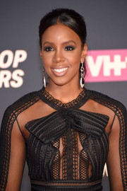 Kelly Rowland looked a little retro with her teased, center-parted ponytail at the VH1 Hip Hop Honors.