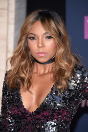 Ashanti topped off her look with boho-glam waves when she attended the VH1 Hip Hop Honors.