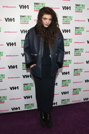 Lorde bundled up in a loose navy leather jacket for the VH1 'You Oughta Know in Concert.'