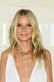 Gwyneth Paltrow blinged with a chic gold chain necklace by Pomellato.