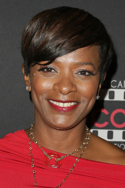 Vanessa Bell Calloway Short Side Part [hair,face,hairstyle,eyebrow,forehead,chin,black hair,lip,bangs,pixie cut,vanessa bell calloway,mercedes-benz usa,viewing party,african american film critics association academy awards,viewing party,california,los angeles,mercedes-benz usa and african american film critics association academy awards]