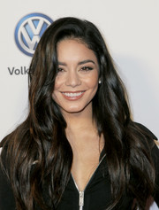 Vanessa Hudgens looked oh-so-pretty with her long waves at Volkswagen's Annual Holiday Drive-In.