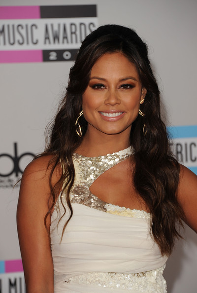 Vanessa Lachey Dangling Diamond Earrings