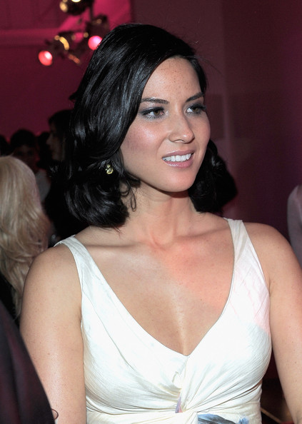 More Pics of Olivia Munn Mid-Length Bob (1 of 12) - Olivia Munn Lookbook - StyleBistro