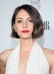 Willa Holland styled her short hair with a bit of a wave for the Fiat Young Hollywood celebration.