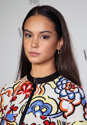 Courtney Eaton opted for low-key styling with this loose straight 'do when she attended the Fiat Young Hollywood celebration.