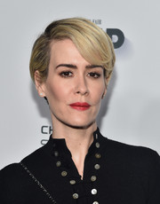 Sarah Paulson wore a neat short 'do with side-swept bangs at the Vanity Fair and FX Emmy nominations party.