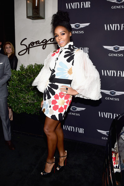 Janelle Monae sealed off her look with a pair of knot-detail peep-toes by Christian Louboutin.