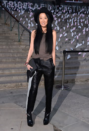 A sleeveless blouse topped off Vera Wang's stylish and contemporary look at the Vanity Fair Tribeca Film Festival Party.