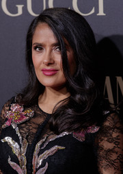 Salma Hayek wore a loose side-parted style with wavy ends at the Vanity Fair Personality of the Year Gala.
