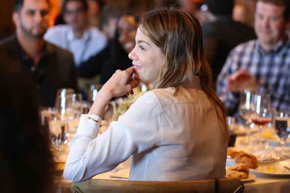 More Pics of Michelle Monaghan Loose Blouse (1 of 14) - Tops Lookbook - StyleBistro []