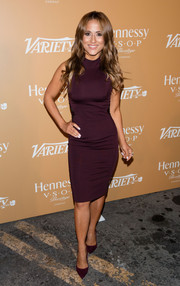 Dana Ramirez showed off her curves in this wine-colored sleeveless dress with matching heels.