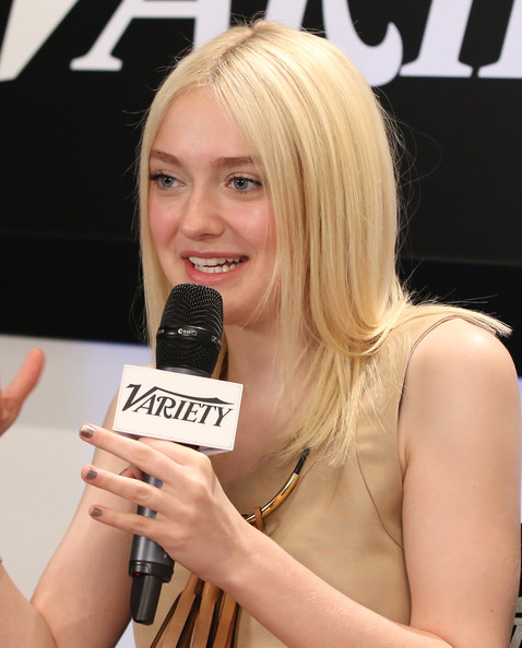 More Pics of Dakota Fanning Medium Straight Cut (1 of 16) - Medium Straight Cut Lookbook - StyleBistro