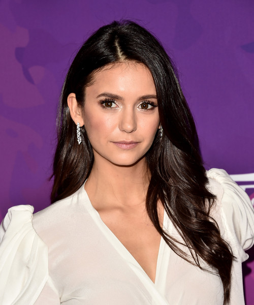 Nina Dobrev looked youthful and pretty with her long waves and subtle makeup at the StyleMakers Awards.