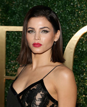 Jenna Dewan-Tatum paired a glossy red lip with bold eye makeup for a sexy beauty look.