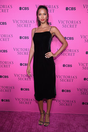 Lais Ribeiro kept it simple yet sophisticated in a black velvet slip dress at the 2017 Victoria's Secret fashion show viewing party.