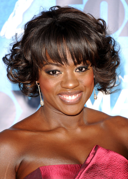 Viola Davis Curled Out Bob [hair,hairstyle,face,eyebrow,chin,black hair,bangs,lip,brown hair,ringlet,arrivals,viola davis,the shrine auditorium,los angeles,california,naacp image awards]