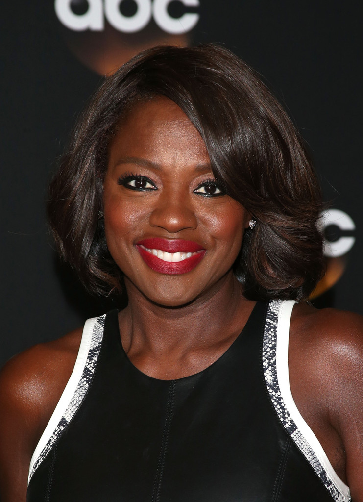 Viola Davis Medium Wavy Cut Shoulder Length Hairstyles