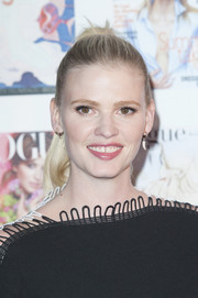 Lara Stone kept it youthful and cute with this ponytail at the Vogue 100 Festival Gala.