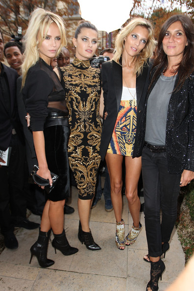Emmanuelle Alt balanced her sparkly jacket with a pair of dark-wash skinny jeans at the Vogue Fashion Celebration Night.