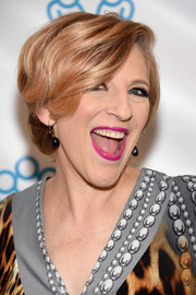 Lisa Lampanelli sported a stylish short 'do at the Voices for the Voiceless event.