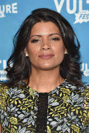 Andrea Navedo attended the Vulture Festival wearing her hair in glamorous curls.