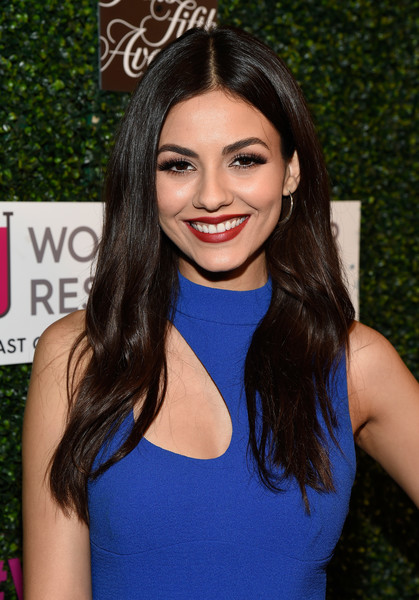 Victoria Justice looked cute with her flowing center-parted hair while attending WCRF's 'An Unforgettable Evening' event.