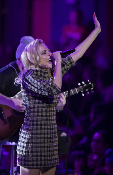 More Pics of Pixie Lott Print Dress (1 of 12) - Pixie Lott Lookbook - StyleBistro [performance,entertainment,music artist,performing arts,music,singing,event,singer,stage,concert,pixie lott,london,sse arena,england,we day uk]