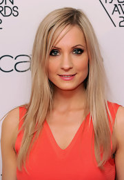 Joanne Froggatt had just a hint of wispy side-swept bangs at the WGSN Global Fashion Awards.