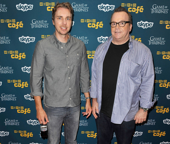 Dax Shepard's gray button-down shirt was a smart complement to his washed-out jeans.