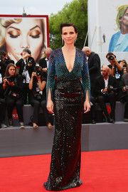 Juliette Binoche was a style standout at the Venice Film Fest premiere of 'The Wait' in a fully beaded Armani Privé gown with an ombre bodice and a plunging neckline.