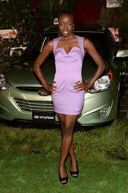 Danai Gurira looked pretty in a soft lavender dress that featured a sharp V-neck notch.