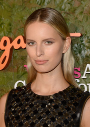 Karolina Kurkova wore her hair in a slicked-back, center-parted style at the Wallis Annenberg Center Inaugural Gala.