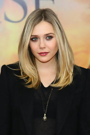 Elizabeth Olsen wore her hair long and casually tousled at the world premiere of 'War Horse.'