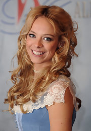 Liz Mcclarnon looked darling in her curly 'do at the 'War of the Worlds' photocall.