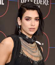 Dua Lipa sported an edgy-chic bob at the Warner Music Group pre-Grammy celebration.