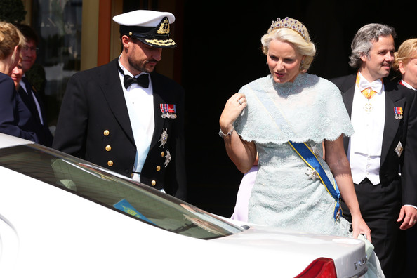 More Pics of Princess Mette-Marit Lace Dress (1 of 12) - Princess Mette-Marit Lookbook - StyleBistro [haakon,christopher oneill,mette-marit,silvia,princess madeleine of sweden,event,ceremony,vehicle,gesture,wedding of princess madeleine,wedding,norway,the royal palace,sweden]
