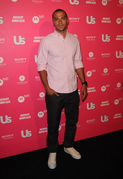Jesse looked dapper in a pale pink button down shirt paired with matching sneakers.